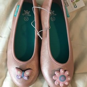 NWT girls' Chooze shoes size 12 with charms